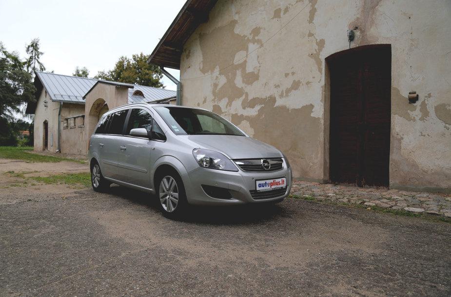 "Naudotas ""Opel Zafira B"""