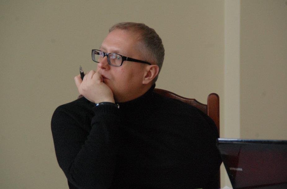 Kun. Artūras Kazlauskas