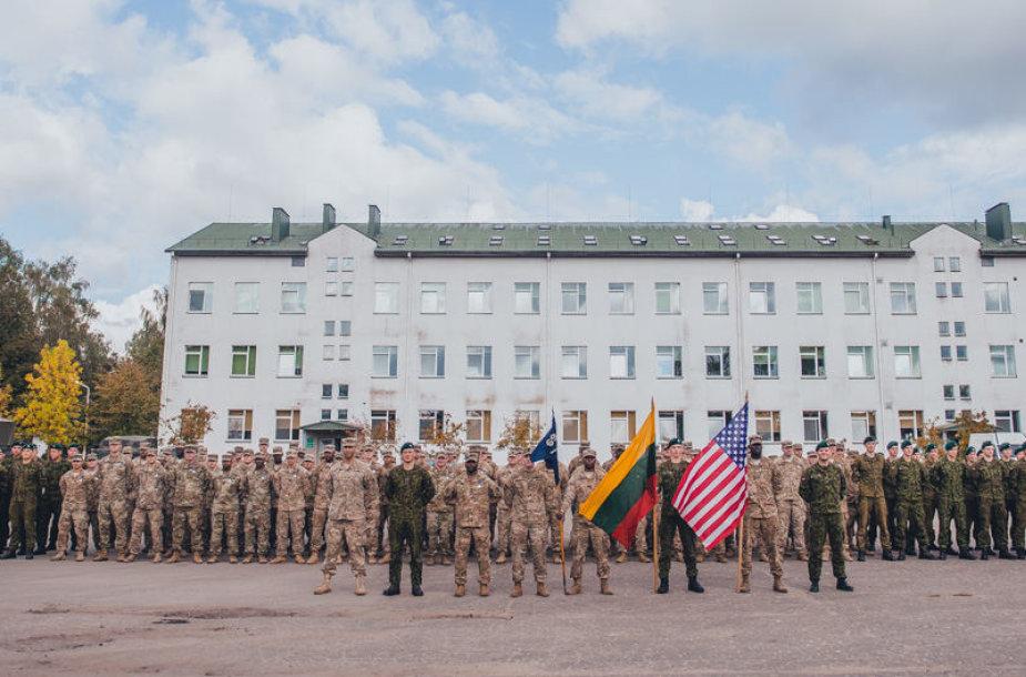 JAV rotacinių pajėgų padalinio išlydėtuvės Rukloje