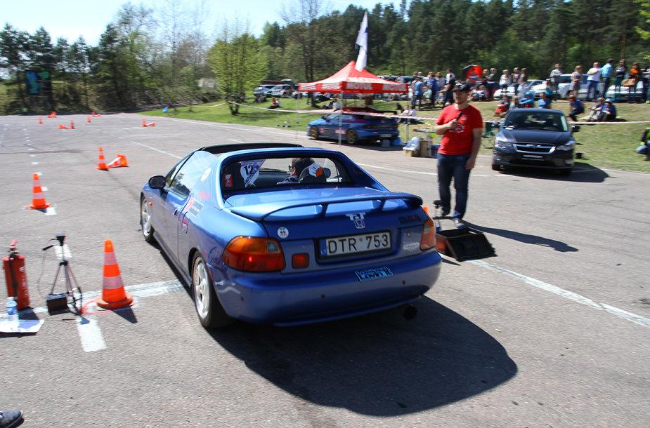 """Moterų slalomas """"Subaru"""" taurei laimėti"""