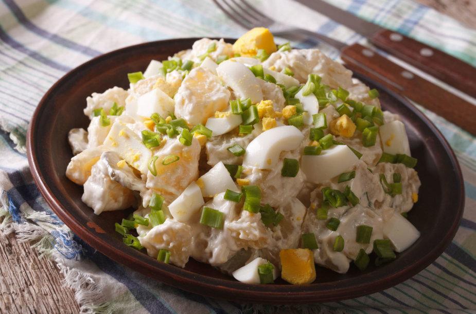 Bulvių ir kiaušinių salotos