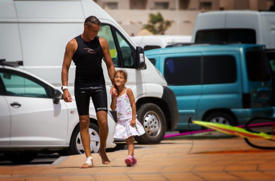 Ernestas su dukra Ispanijoje