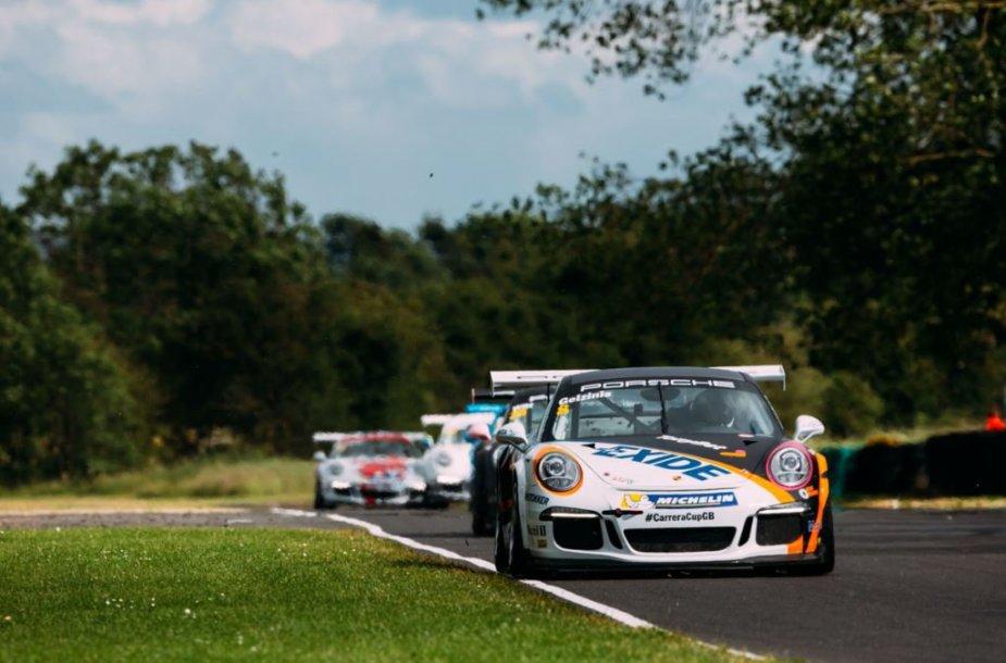 """Didžiosios Britanijos """"Porsche Carrera"""" varžybos """"Croft"""" trasoje"""