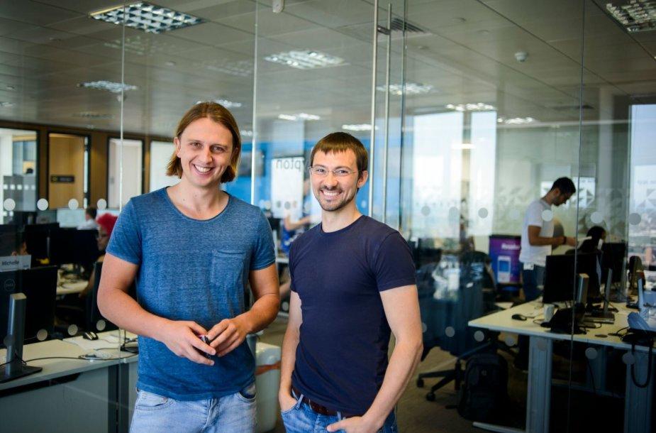 """""""Revolut"""" įkūrėjai ir vadovai: Nikolajus Storonskis bei  Vladas Yetsenko"""
