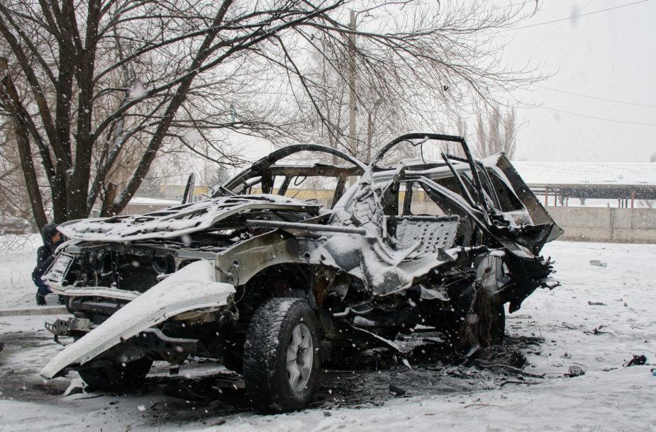 Susprogdintas automobilis, kuriuo važiavo Olegas Anaščenka