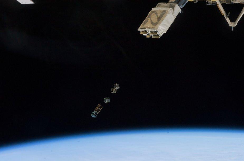 Palydovų paleidimas