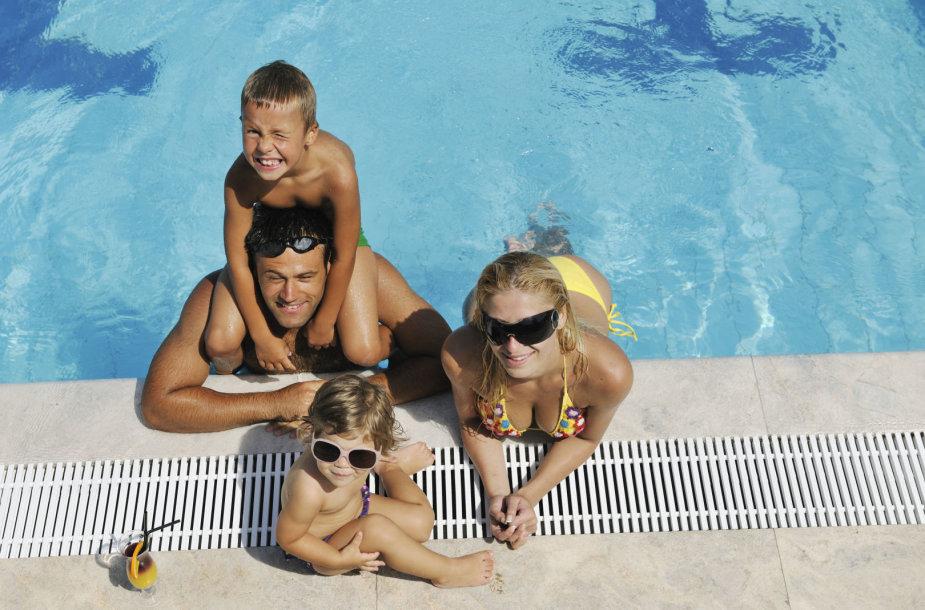 Šeima atostogauja