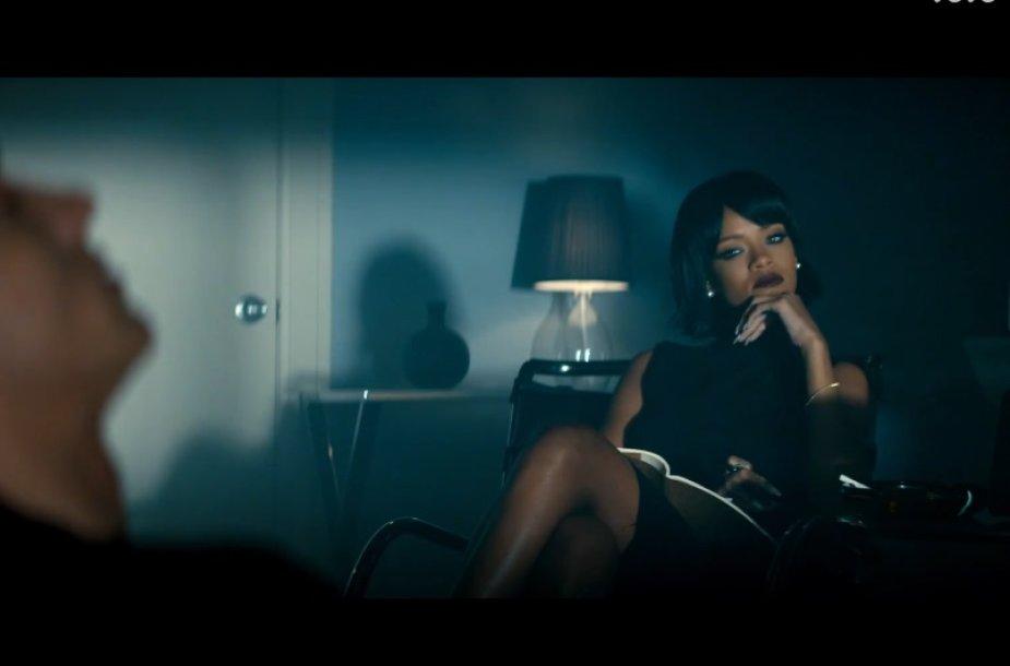 """Eminemas ir Rihanna dainos """"Monster"""" vaizdo klipe"""