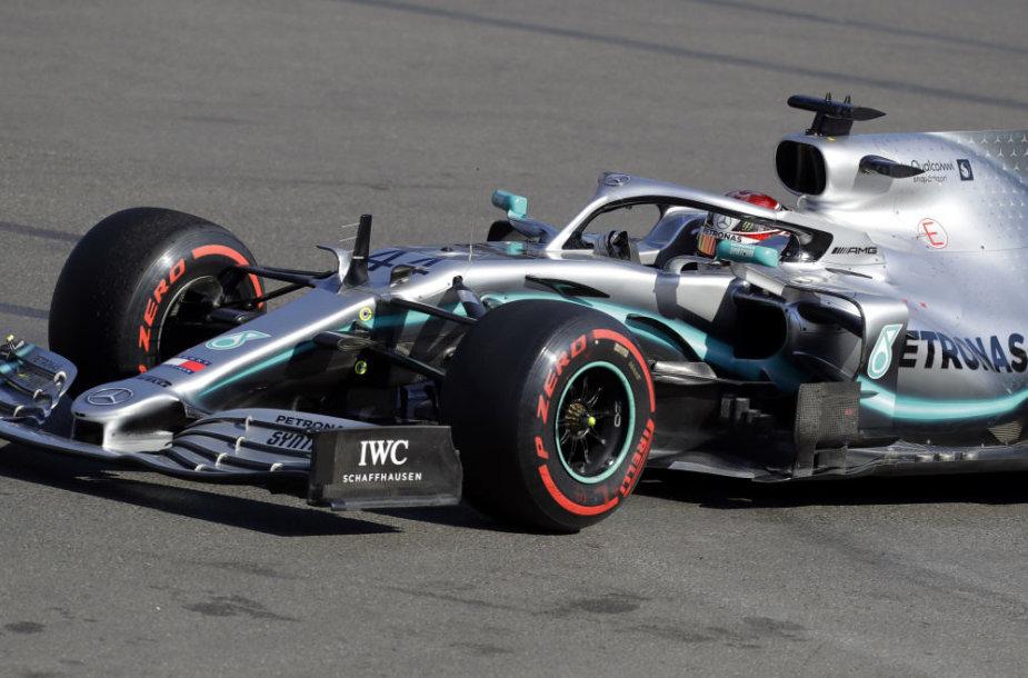 """Azerbaidžane """"Formulės 1"""" lenktynes laimėjo Valtteri Bottas"""