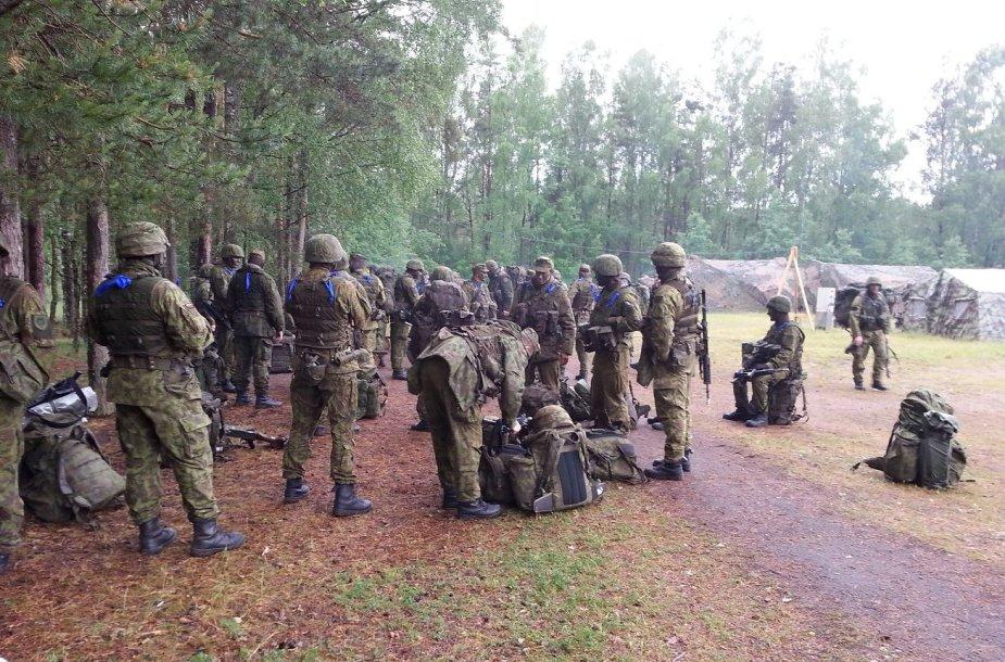 Akimirkos iš parengtų karių rezervo mokymų