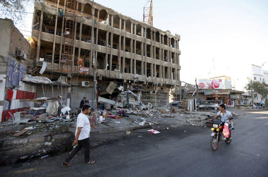 Dviejų savižudžių bombos Irake nusinešė 10 žmonių gyvybes