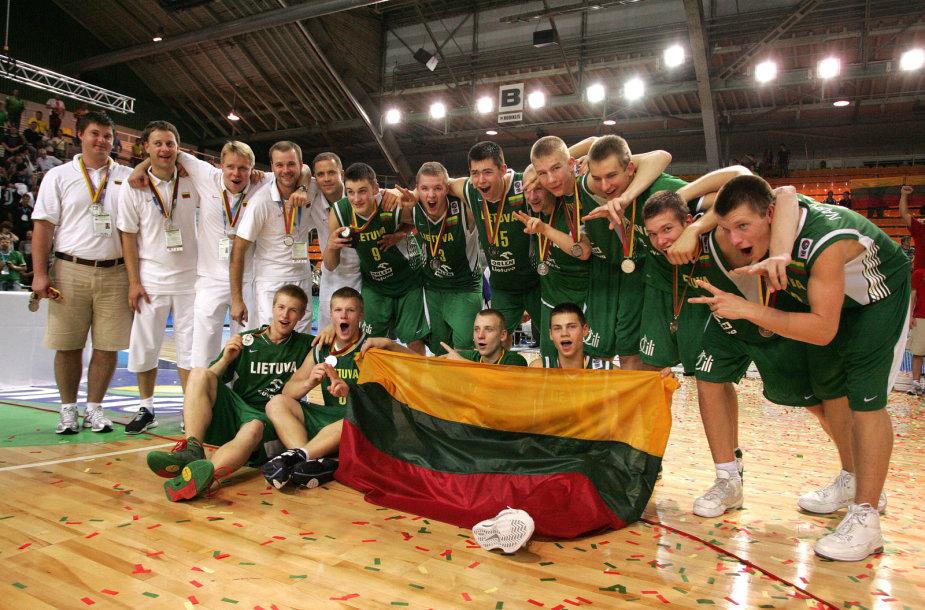 2009 m. Europos jaunučių čempionate lietuviai iškovojo antrąją vietą.