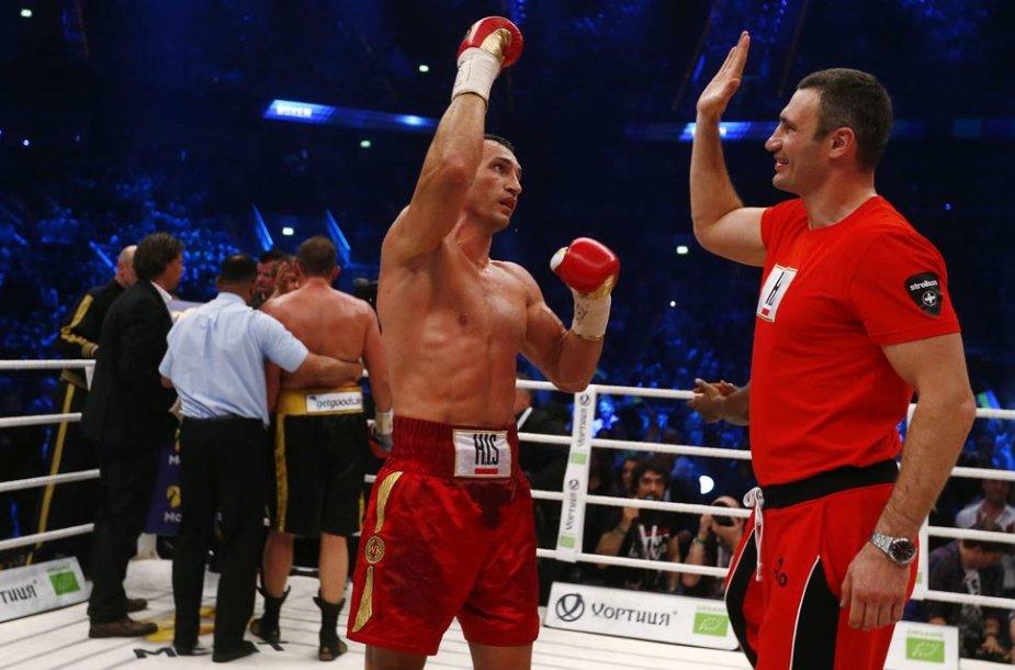Ukrainiečio Vladimiro Klyčko pergalė prieš keturius titulus atimti norėjusį italą Francesco Pianetą