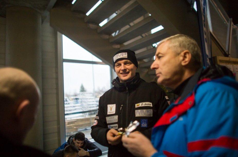 """""""Halls Winter Rally"""" dalyviai atvyko į Uteną"""