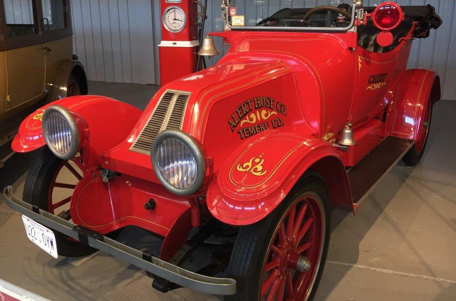 """Reportažas iš JAV """"Northeast classic car"""" muziejaus"""