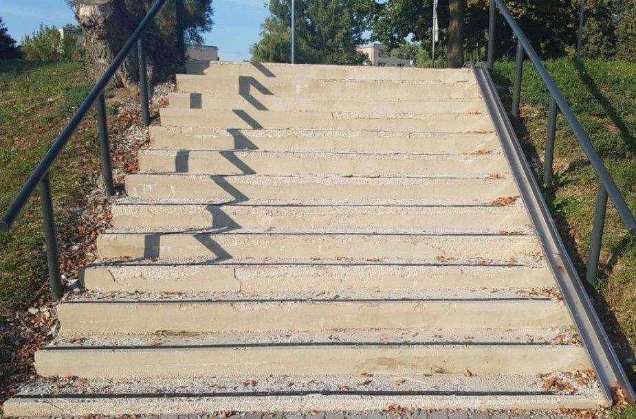 Remontuojami laiptai Kėdainiuose