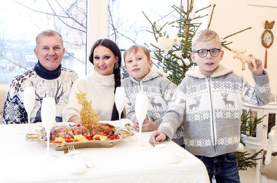 Inga ir Darius Budriai su sūnumis