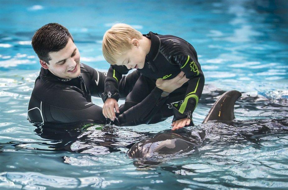 Jūrų muziejus kviečia registruotis delfinų terapijai