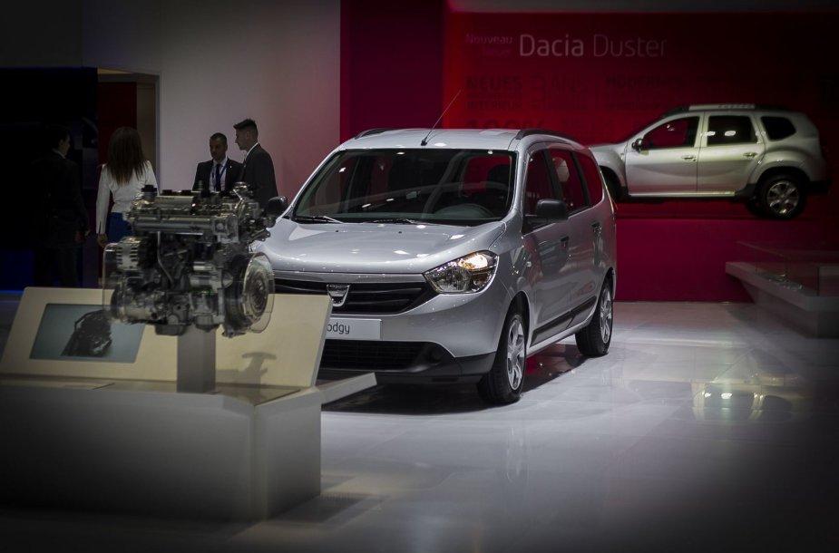 """""""Dacia"""" naujovės Ženevos automobilių parodoje"""