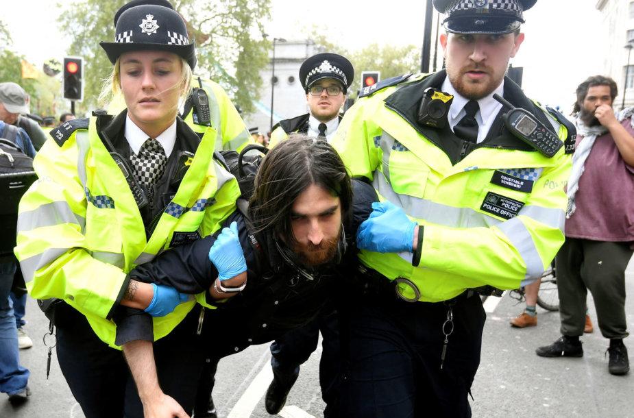Aplinkosaugos aktyvistų rengiamas protestas Londone