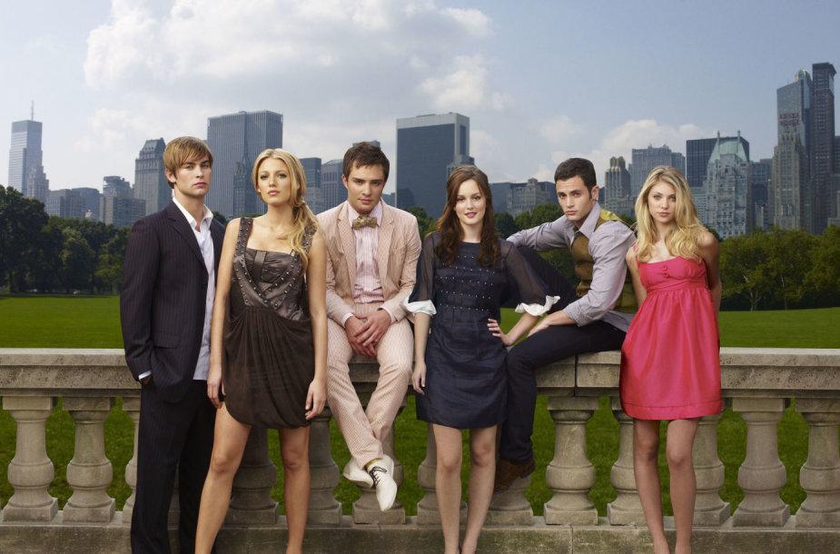 """Gossip Girl"" aktoriai Chace'as Crawfordas, Blake Lively, Edas Westwickas, Leighton Meester, Pennas Badgley ir Taylor Momsen (2007 m.)"