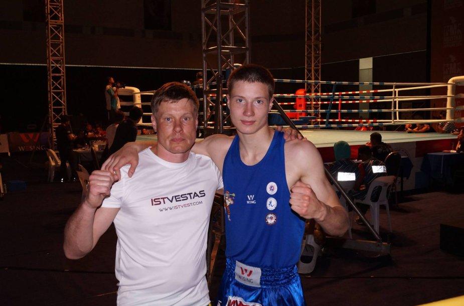 Martynas Jasiūnas su treneriu