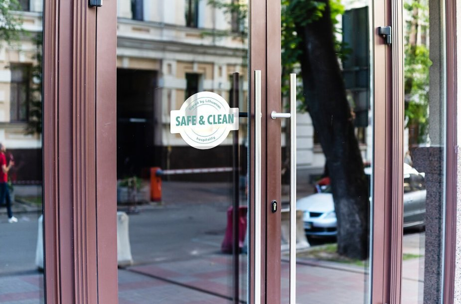 """Naujas ženklas """"Safe and Clean"""""""