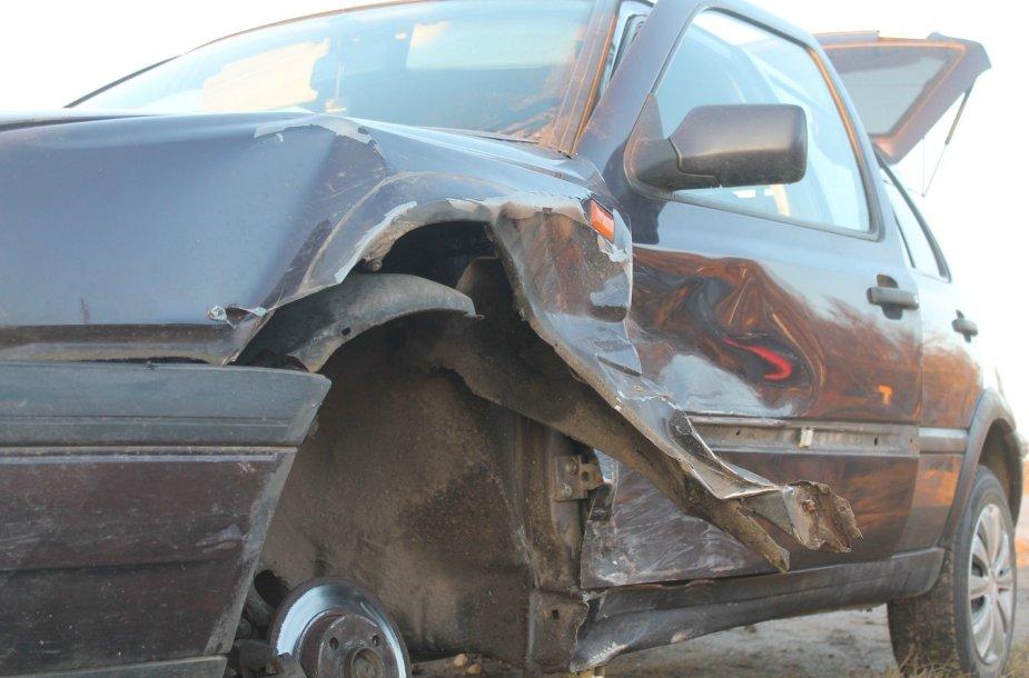 """Opel Astra"" ir ""VW Golf"" avarija"