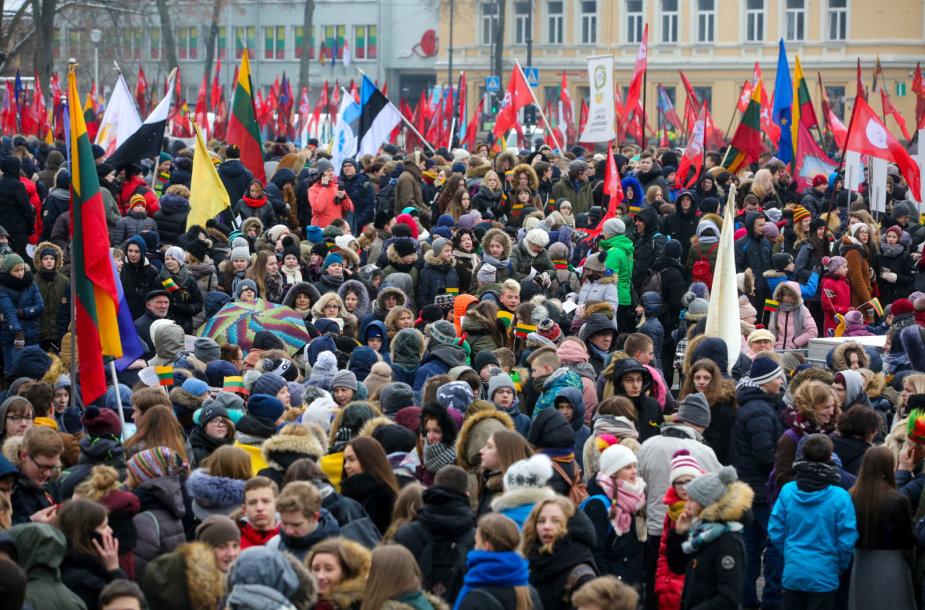 Jaunimo eisena Vilniuje Nepriklausomybės šimtmečio proga