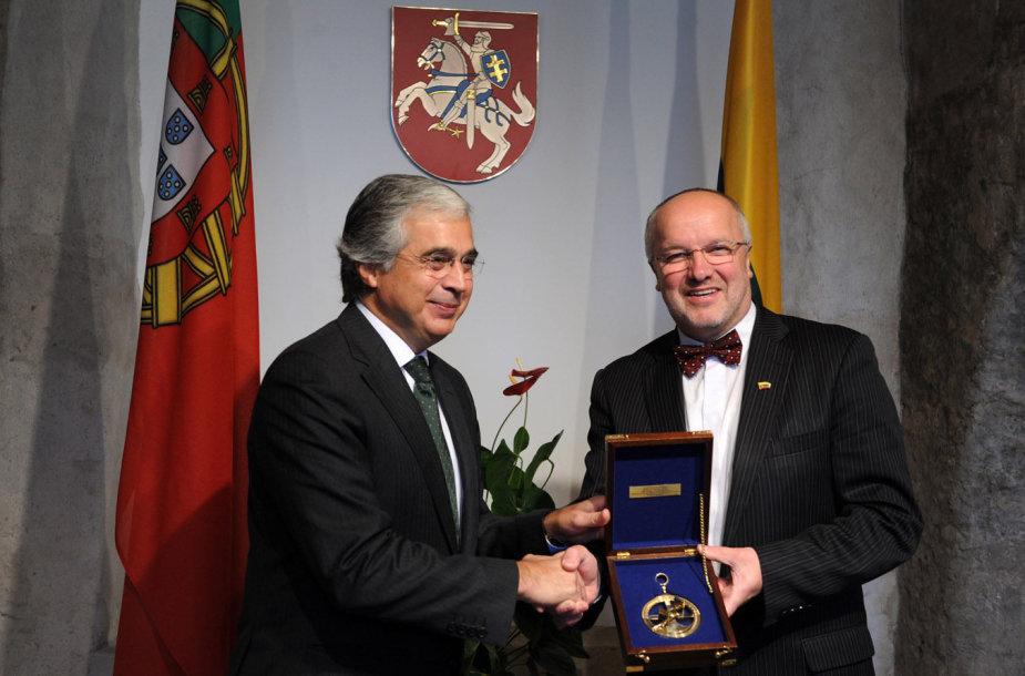 Juozas Olekas su Portugalijos gynybos ministru Dr. José Pedro Correia de Aguiar-Branco