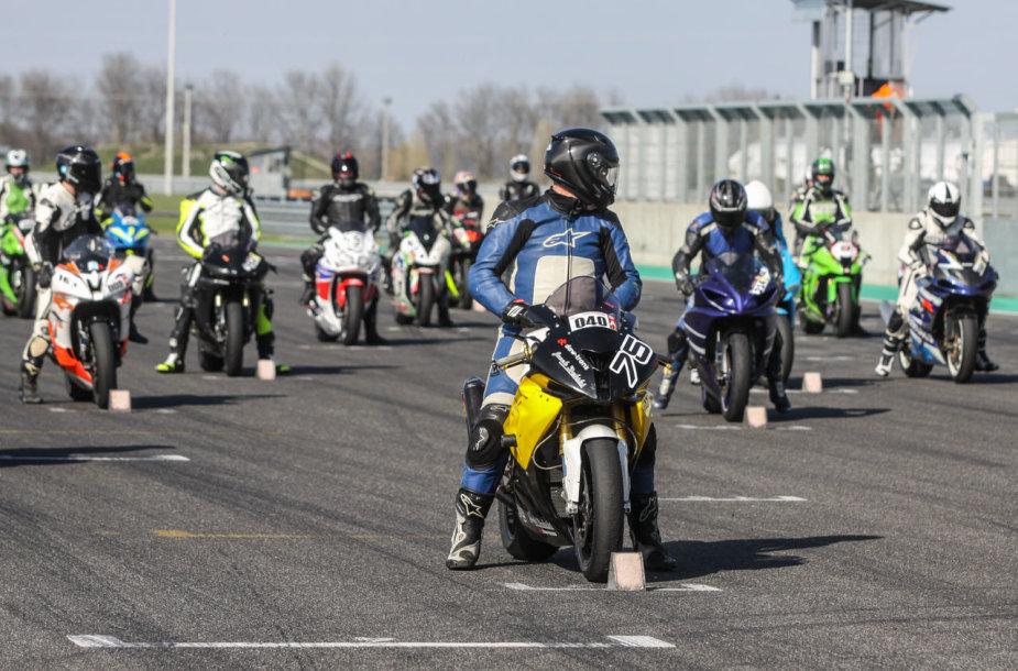 Lenktynės Brno žiede