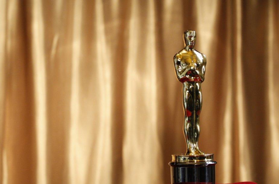 """Auksinė """"Oskaro"""" statulėlė"""