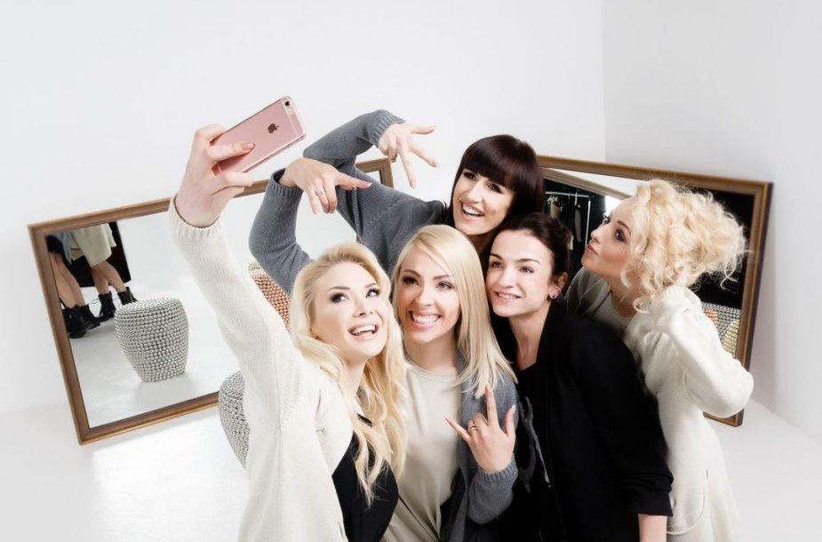 """Grupės """"Pop Ladies"""" įvaizdis"""