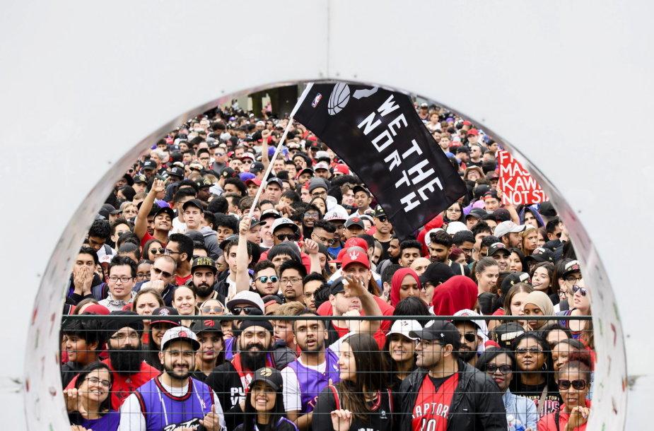 """""""Toronto Raptors"""" pergalės paradas"""