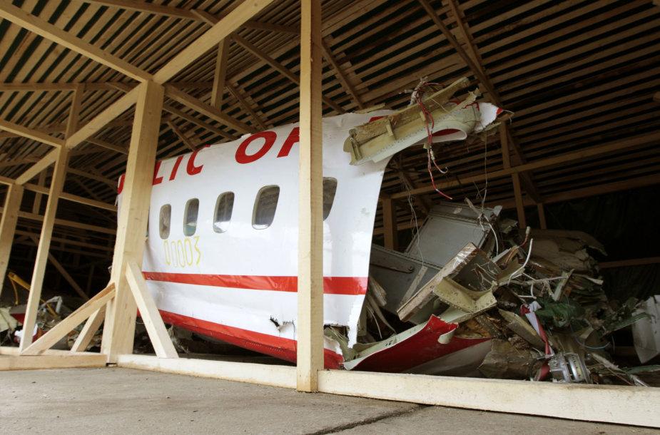 Lenkijos prezidentinio lėktuvo nuolaužos
