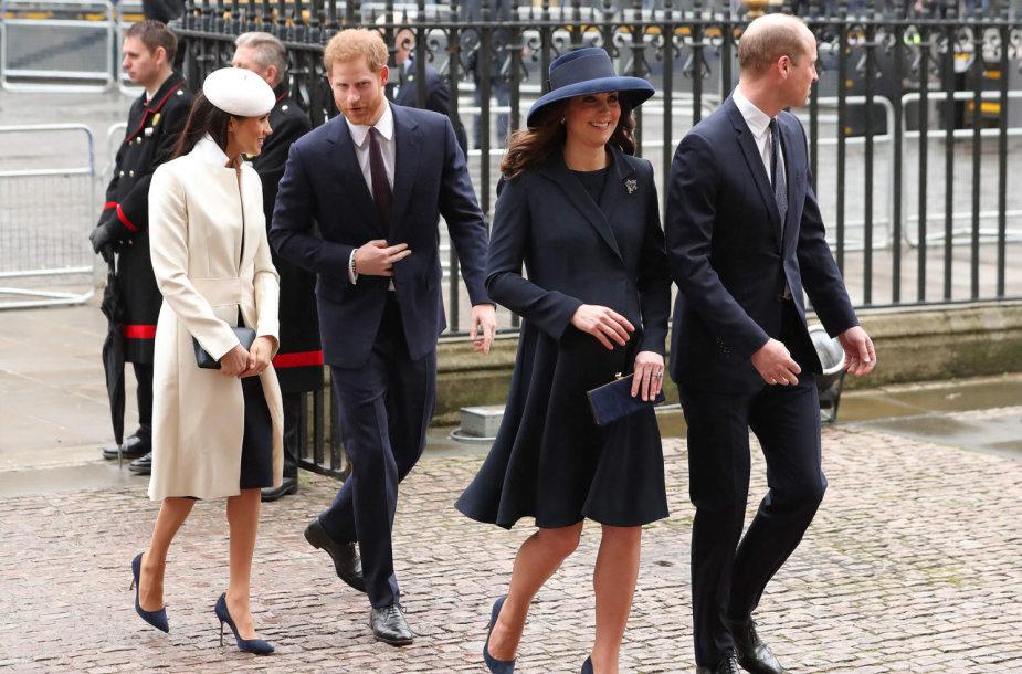 Princas Harry su Meghan Markle ir princas Williamas su Kembridžo hercogiene Catherine