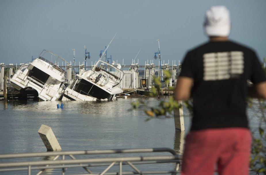 Majamis po uragano