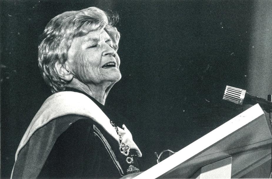 Marija Gimbutienė Vytauto Didžiojo universitete 1993-06-23. V.Jankausko nuotr.