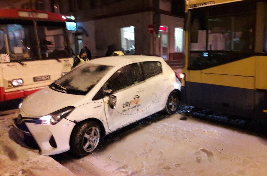 """Autobuso ir """"CityBee"""" avarija"""