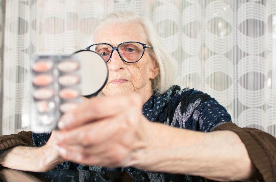 Senatvėje didelę dalį pensijos tenka skirti vaistams
