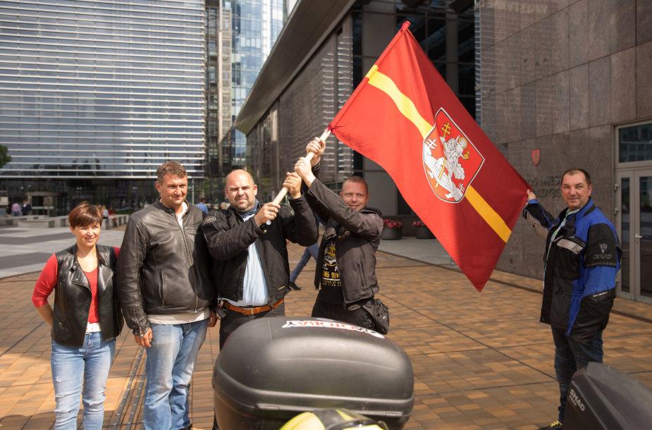 Motociklininkų komandos išlydėtos į ralį po Lietuvą