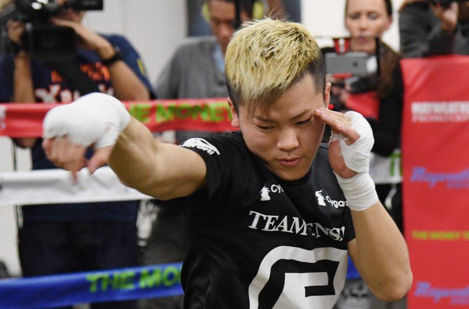 Floydas Mayweatheris ir Tenshinas Nasukawa pristatė kovą, kuris vyks gruodžio 31 dieną Tokijuje