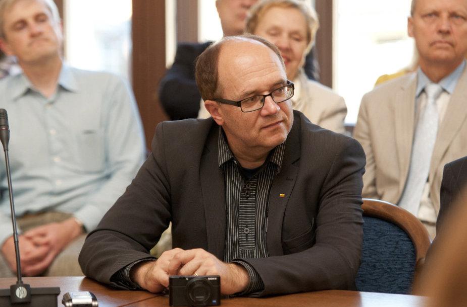 Lietuvių kalbotyros ir komunikacijos katedros prof. dr. Vidas Kavaliauskas. LEU nuotr.