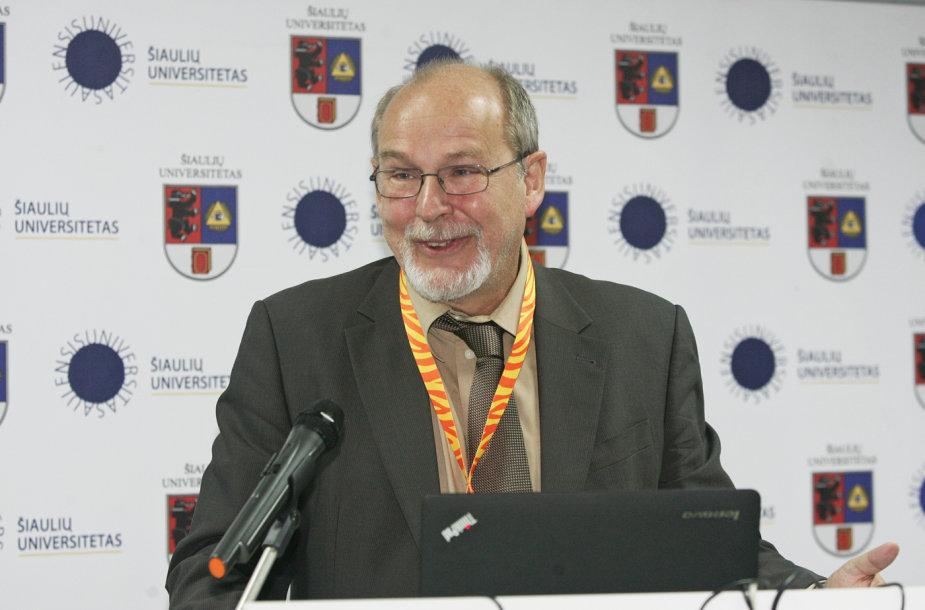 prof. Rainhart Lang