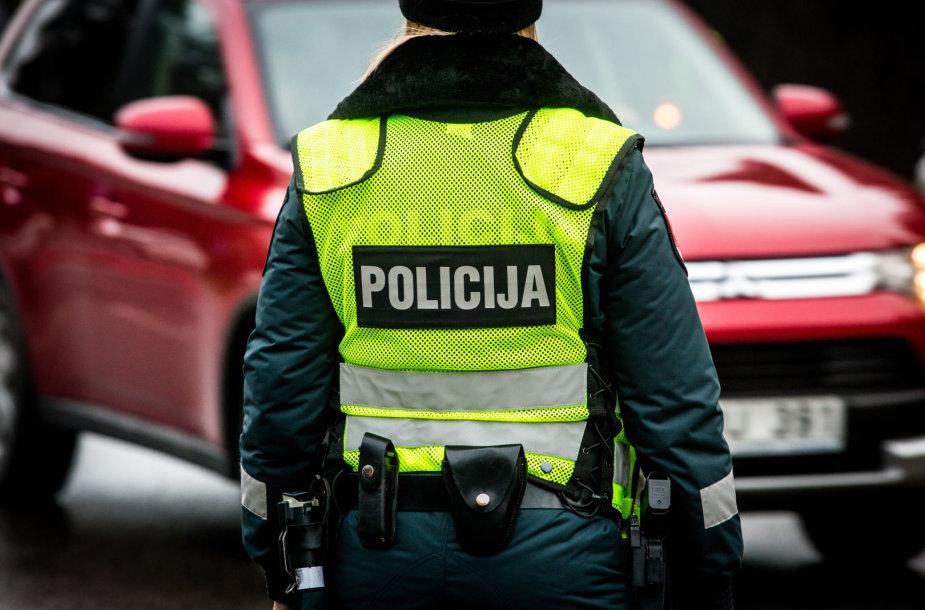 Šeštadienio rytą – neįprastas imuniteto ir kelių policijos pareigūnų reidas