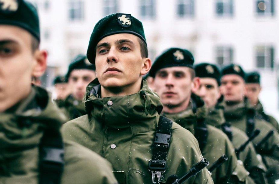 Lietuvos valstybei prisiekė beveik 500 šauktinių