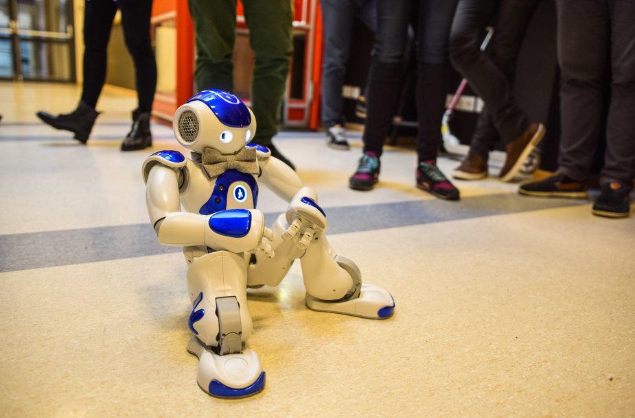 """Robotas """"NAO"""""""