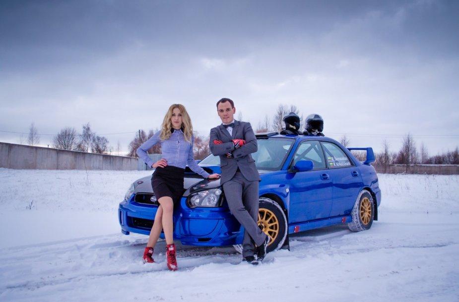 """Renaldas Šeinauskas ir Rūta Krikščiūnaite prie naujojo """"Subaru Impreza WRX"""""""
