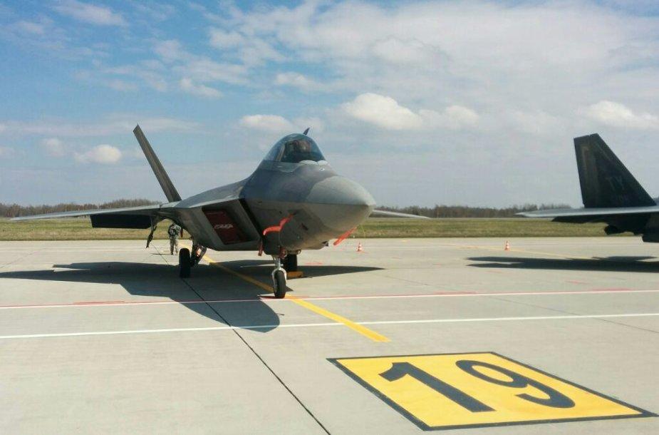 """""""F-22 Raptor"""" Šiauliuose"""
