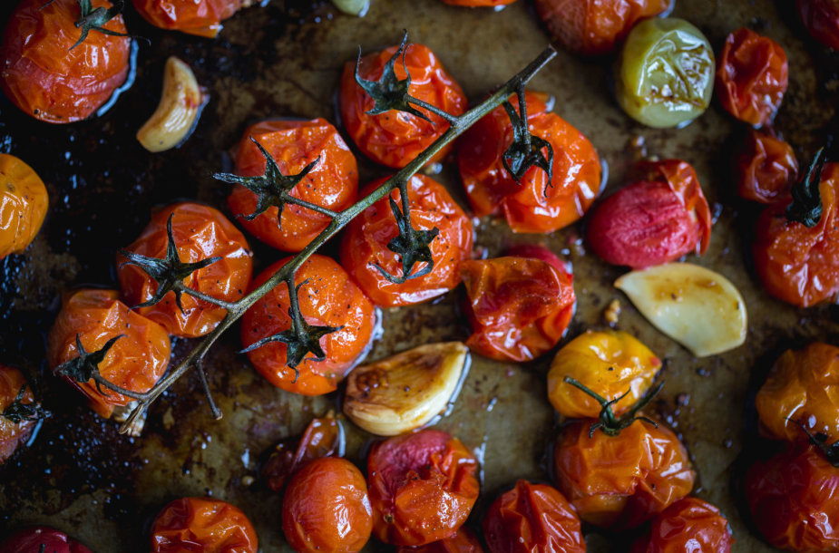 Orkaitėje kepti pomidorai